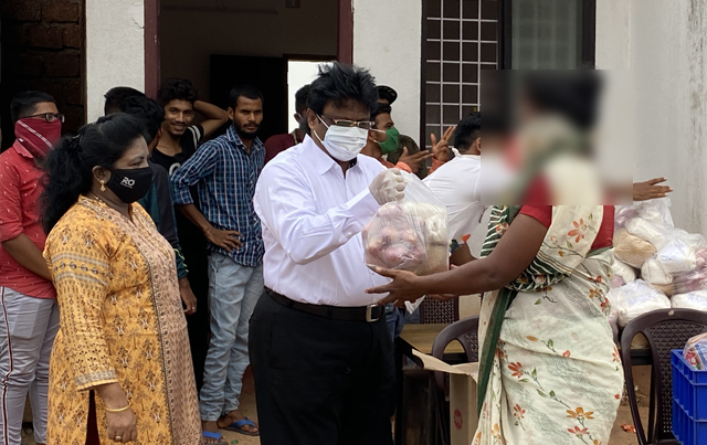Grace Ministry distributes grocery items to the poor and needy in Mangalore who are facing issues in managing food items due to National COVID 19 lockdown.