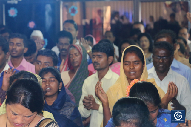 Hundreds flocked into the Blessing Prophetic Prayer on May 25th and 27th, 2018 at Bethesda International Ministry Prayer Hall in Belgaum, Karnataka. The Prayer meetings were a source of transformation for many a people from Bondage and Sickness.